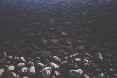 Wet and dry stones